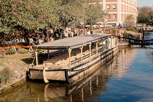 river boat canal dc washington districtofcolumbia georgetown co potomac 1968 barge towpath chesapeakeandohio chesapeakeohio
