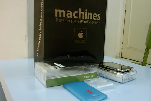 4429116853 99a6cd1985 Unboxing Ipod Touch   For Luqman