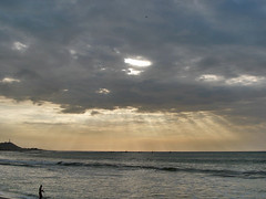 Rayos al atardecer (Eduardo Dios) Tags: atardecer rayos rayosdesol zorritos playasdelnorte playasdelnortedelperú