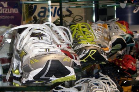 ZAČÁTEČNÍCI  Jak vybrat běžecké boty - behej.com  BĚH 5eaea46ede
