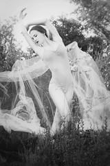 [フリー画像] 人物, 女性, バレエ・バレリーナ, 踊る・ダンス, モノクロ写真, 201106201700