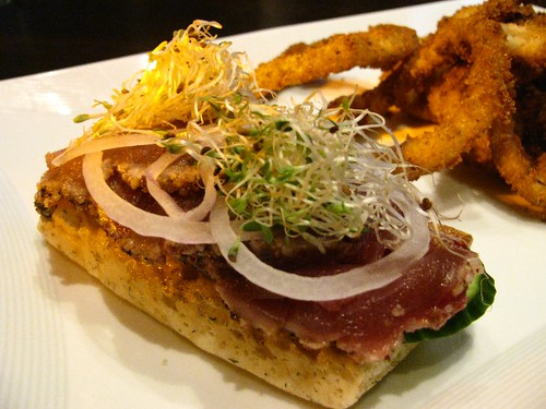Ahi Tuna Burger @ Loungeburger