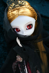 Pullip Elisabeth (Suemomo) Tags: dolls vampire january groove pullip 2010
