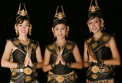 sa-wat-dee (david.gill12) Tags: thailand greeting sumai