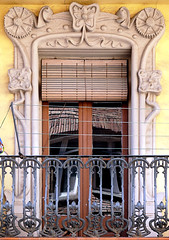 Barcelona - Mediterrnia 004 d (Arnim Schulz) Tags: barcelona espaa art window architecture liberty ventana spain arquitectura arte fenster kunst catalonia finestra artnouveau barceloneta gaud architektur catalunya espagne fentre modernismo catalua spanien modernisme jugendstil espanya katalonien stilefloreale belleepoque baukunst