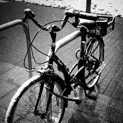 _ ([ZicoCarioca]) Tags: winter blackandwhite bw white snow cold blancoynegro bike bicycle photography photo foto photographie image nieve bicicleta images photograph invierno squared carioca zico neu imagery hivern zicocarioca