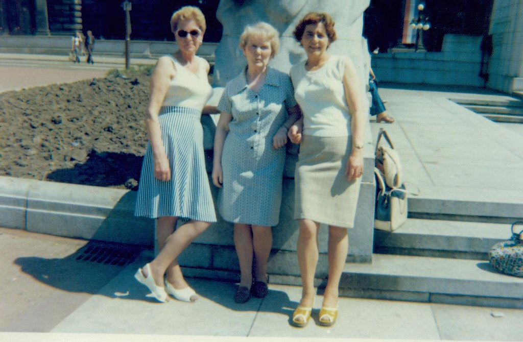 Betty Watt with pals, George Square 1960
