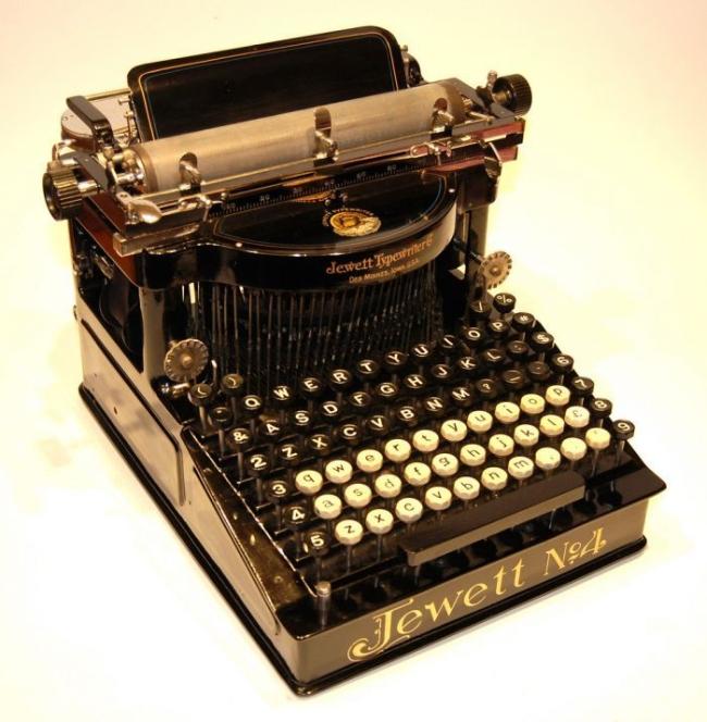 typewriter_28