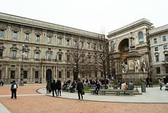Piazza della Scalla (_astracan_) Tags: plaza miln leonardodavinci piazzadellascalla