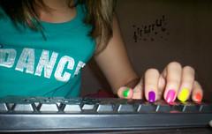 several angles - the same defect (♫ Baah ♪) Tags: music dance teclado música unhas vício teclando meuquarto unhascoloridas