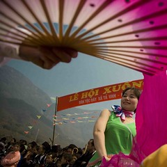 Hmong new year celebrations (DarrenWilch) Tags: new pink black color festival fan year culture tet minority sapa hmong