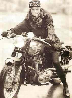 Em Moto Antiga Cl Ssica Gostosa De Jaqueta Babes On Old Bike