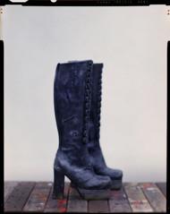 scart boots (eiichi scart) Tags: boots kodak 4x5 160vc 130 f25 oneoff 2010 sinar 181 scart notforsale クロコダイル aeroektar hanatsubaki no719 花椿 汚し クローム鞣しレザー 傷穴 tsurukamedesign 鶴亀デザイン scartshoes 鉛ソール ツルカメデザイン