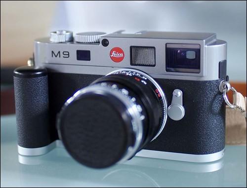 Leica M9 Zeiss T* Planar 50mm f/2 Olympus E-PL2 Panasonic Leica 25mm f/1.4 Summilux