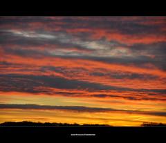 Matine de feu (Jean-Franois Chamberlan) Tags: red sky clouds automne soleil fantastic belgium belgique couleurs marin belgi ciel fabulous nuages campagne beau magnifique feu merveilleux brabantwallon menaant vr18200 nikon18200vr nikond90 bossutgottechain gottechain jeanfranoischamberlan