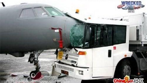 4193705935 b04dbb5425 o Foto Berbagai Macam Kecelakaan Pesawat