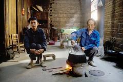 old men cooking in Jiangtouzhou village (AsianInsights) Tags: china heritage architecture asia village guilin 2009 guanxi jiangtouzhou romanachapman