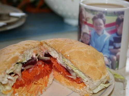 01271063saladsandwich