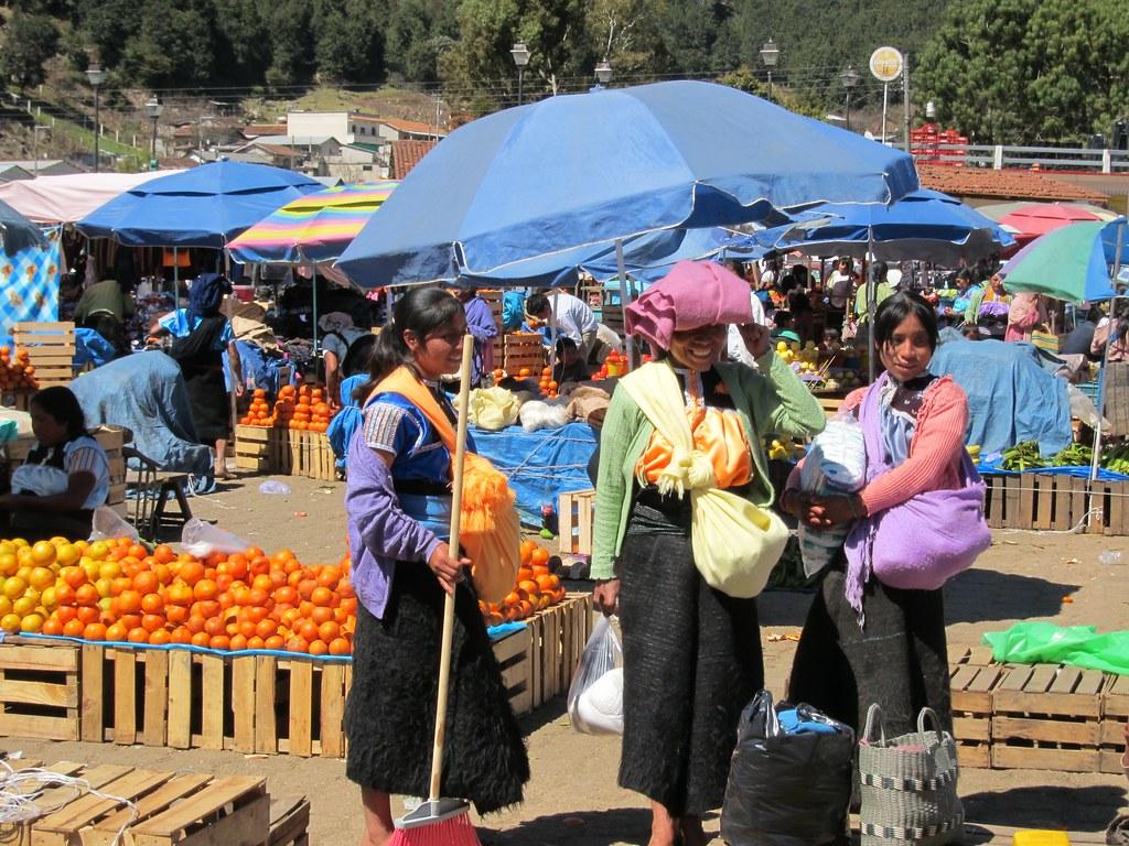 IMG_0157: Mayan Shopppers