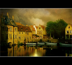 Golden hours in Bruges (Ellen_Anne (mostly off)) Tags: brugge bruges brgge firstquality thesuperbmasterpiece worldsartgallery genugvomschnee