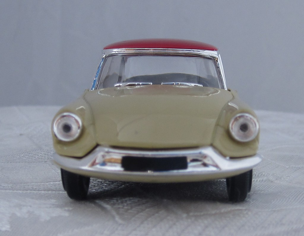 1956 Citroen DS 19 Goddess front