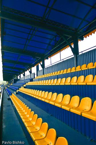 Всі 3220 місць обладнані індивідуальними пластиковими сидіннями.
