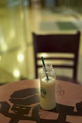 taking a break... (Littopillo) Tags: hk hongkong drinks tsimshatsui guavajuice 35mmf14 summiluxm