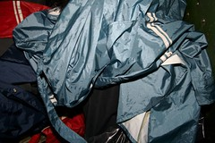 "IMG_7898 (Seteg) Tags: blue red trash dumpster grey garbage mac shiny destruction rubber bin cleaning plastic trenchcoat rubbish waste gummi agu raincoat müll afvalbak nylon regen rainwear pvc raincoats anzug mackintosh vuilnis huisvuil cleaningup afval clearout rainsuit regenjacke müllsack shinycoat kliko regenjassen regenmantel regnfrakke regenjas müllbeutel nyloncoat vuilniszak regenanzug lackmantel rainsuits regnfrakk regnjakke gummimantel regnkappa regenpak regenkleding vuilcontainer regenbekleidung ""shiny gummiregenmantel regenpakken afvalzak mülleimern dumpsterbin agusport rubberbacked reënjas nylon"""