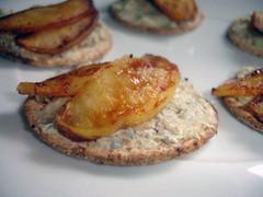 Pommes caramélisées sur crackers