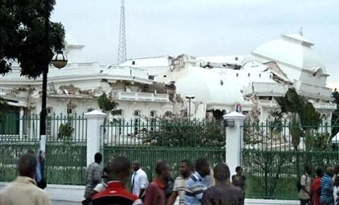 AFP+Haiti+presidential+palace+earthquake+480