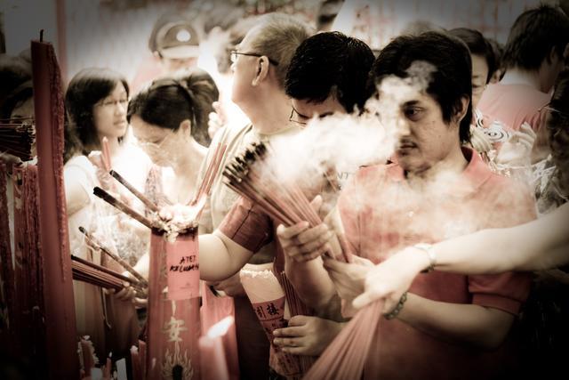 Banyak orang mengacaukan tahun kelahiran Tionghoa dengan dengan tahun ...