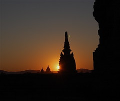The Magical World of Bagan (The Spirit of the World) Tags: sunset asia myanmar pagodas bagan nationalgeographic excapture nikonflickraward flickertravelaward lpmystical