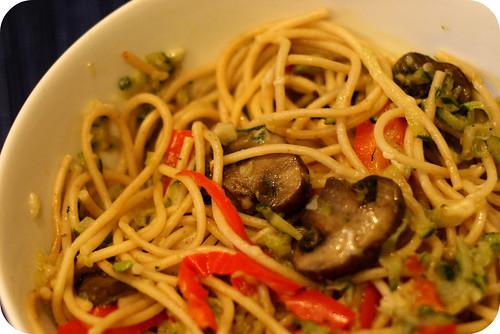 zucchini garlic and mushroom pasta