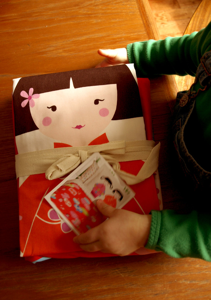 2010-03-01 girlsroomP3014691 girlsnewduvet