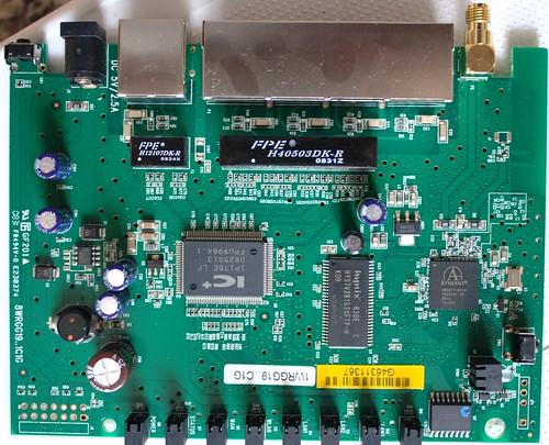 DLINK DIR-300 PCB FRONT