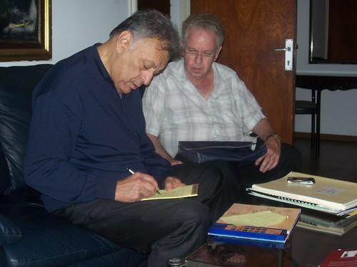 Zubin Mehta signing newyorkbrass and classikids book