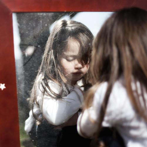 フリー写真素材, 人物, 子供, 少女・女の子, 憂鬱,
