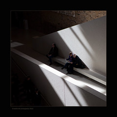 Neues Museum, Berlin (stella-mia) Tags: shadow berlin neuesmuseum 2470mm 2470 hightlight 5dmkii annakrmcke