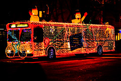 Holidazzle Twinkle Bus 2009 (Doug Wallick) Tags: christmas bus minnesota snowman holidays colorful metro minneapolis twinkle parade transit lightroom holidazzle a230
