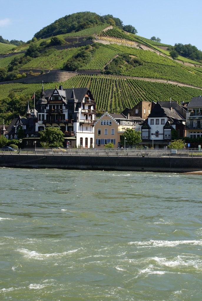 Assmannshausen, Hotel Krone und Höllenberg