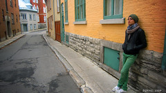 waiting in old Qubec city street (dzpixel) Tags: voyage canada guy corner canon town waiting alone mtl quebec journey ruelle 2009 couleur diode dz lonley villedequbec vieu greend yeloww deserte theunforgettablepictures samlam dzpixel dzdiode
