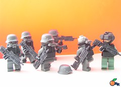 KILLZONE 2 : ISA invasion (ORRANGE.) Tags: red 2 amazing lego helmet german hazel sev armory isa sta 52 orrange customs helghast killzone kube