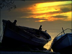 (maios) Tags: travel sunset sea sky cloud water boat photo europa flickr ship foto photographer hellas greece macedonia thessaloniki fotografia salonica thermaikos manikis maios iosif   heliography     mywinners           saariysqualitypictures