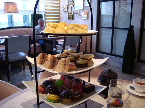 3-tier afternoon tea set