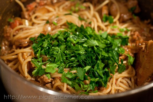 Spaghetti with Creamy Wild Mushrooms and Meat Sauce 7