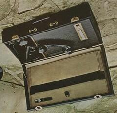 portable_executive_telephone (dredgarleon) Tags: telefono viejo