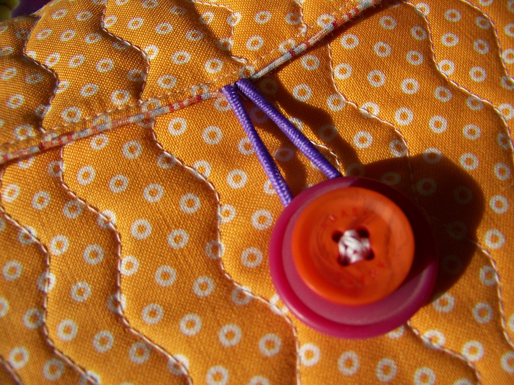 pouch quilting & button