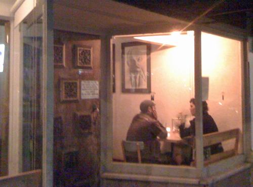 romantic-dinner-under-VI.jpg
