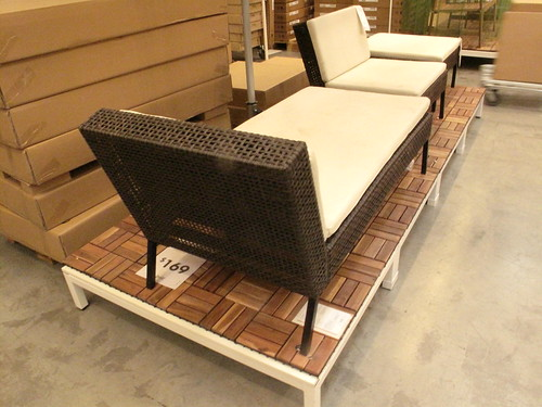 outdoor lounge chair and chair