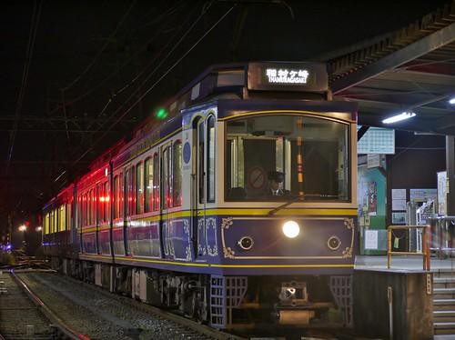 江ノ電10F+21F稲村ヶ崎行き最終電車@長谷